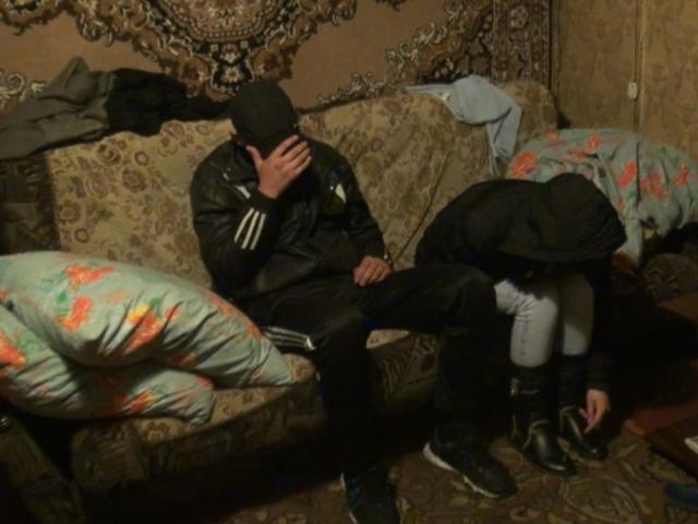 Дом, где был задержан подозреваемый за убиство в Новоалтайске 15.05.2013