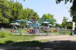 Карусели в парке ДК ЖД в городе Новоалтайске