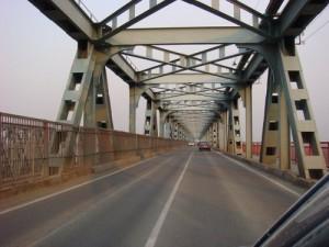движение по старому мосту временно возобновится