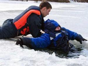 опасный лед спасатели