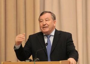 Губернатор глава региона Александр Карлин