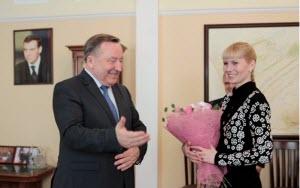 Губернатор Алтайского края и преподаватель из Первомайского района обсудили отмену медалей в школах