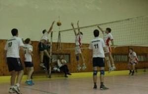 школьники каникулы соревнования волейбол греко-римская борьба