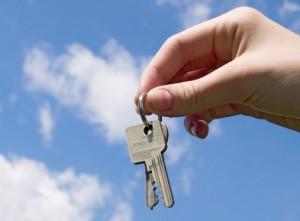 36 новоалтайских семей получили ключи от новой квартиры
