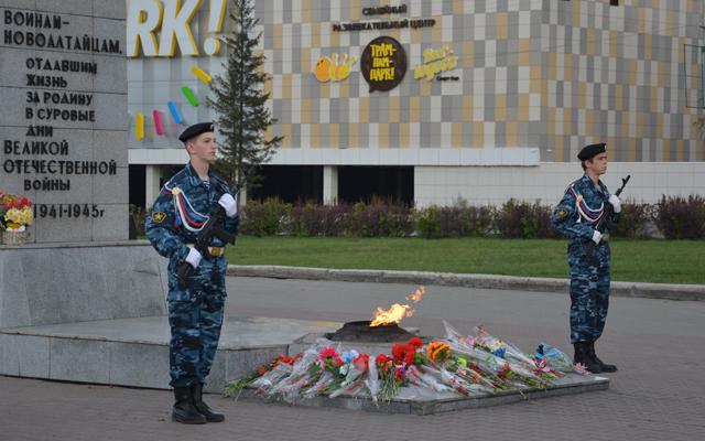 День Победы 9 мая 2014 года в Новоалтайске - Почётный караул
