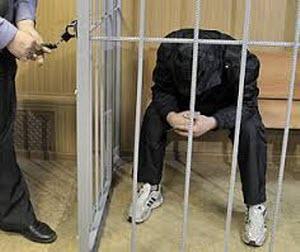 «Черные риелторы» из Алтайского края спаивали граждан ради квартир