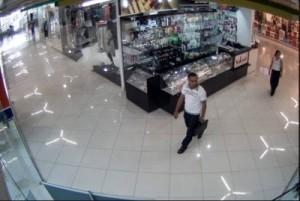 В торговом центре Новоалтайска орудуют мошенники2