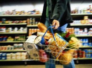Администрация края договорилась с сетевыми магазинами не поднимать цены на товары первой необходимости