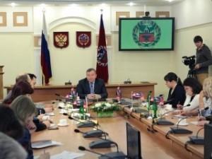 Губернатор Алтайского края отметил ярмарку вакансий «Алтайвагона» в ходе «Медиалога»