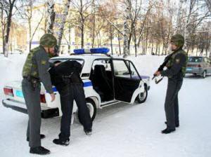 Неадекватный пациент городской больницы города Новоалтайска был задержан по подозрению в незаконном хранении наркотиков